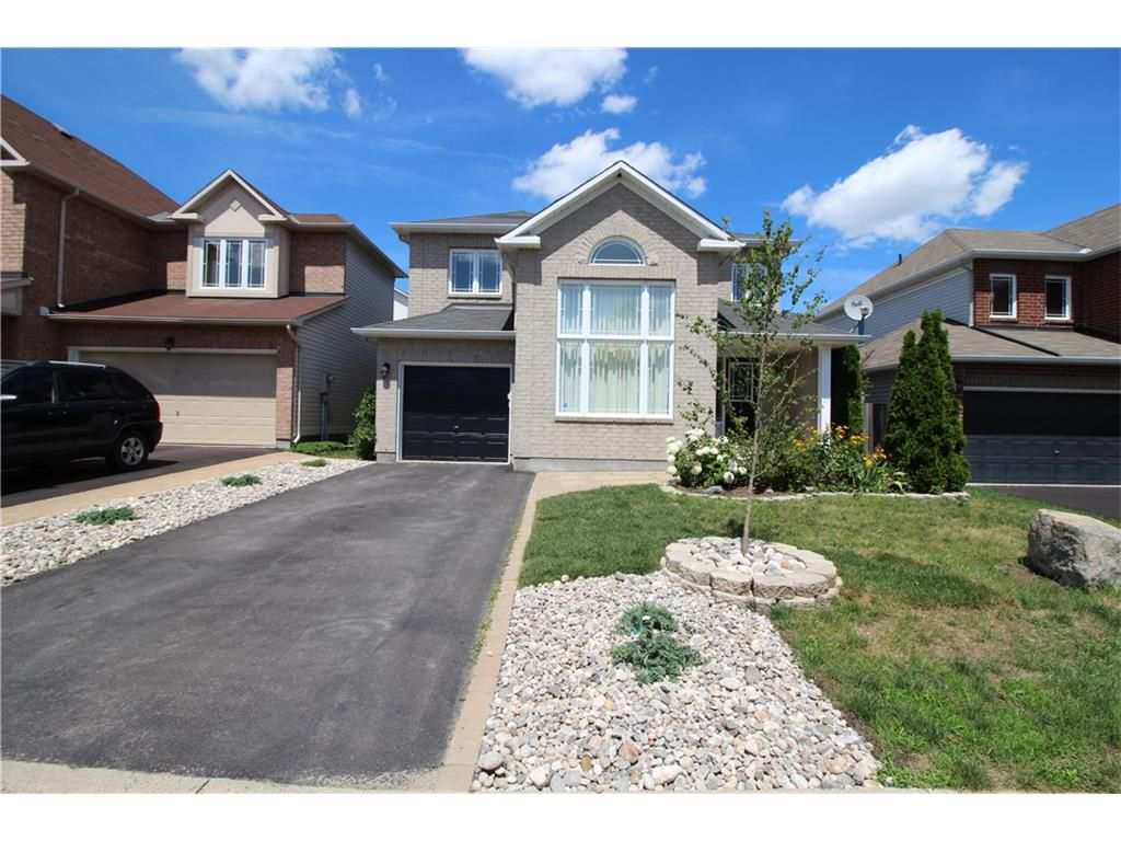 Main Photo: 103 YORKBERRY GATE in : Hunt Club/Western Community Residential for rent : MLS®# 1022033