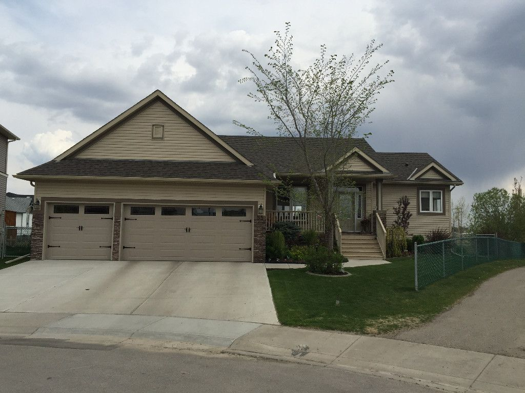 Main Photo: 55 Copeland Avenue in Langdon: House for sale : MLS®# C4000382