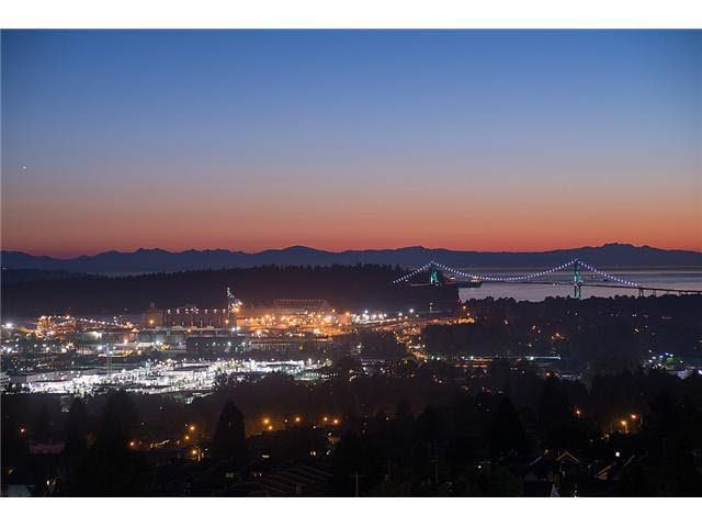"""Photo 2: Photos: 801 121 W 15TH Street in North Vancouver: Central Lonsdale Condo for sale in """"ALEGRIA"""" : MLS®# R2196958"""