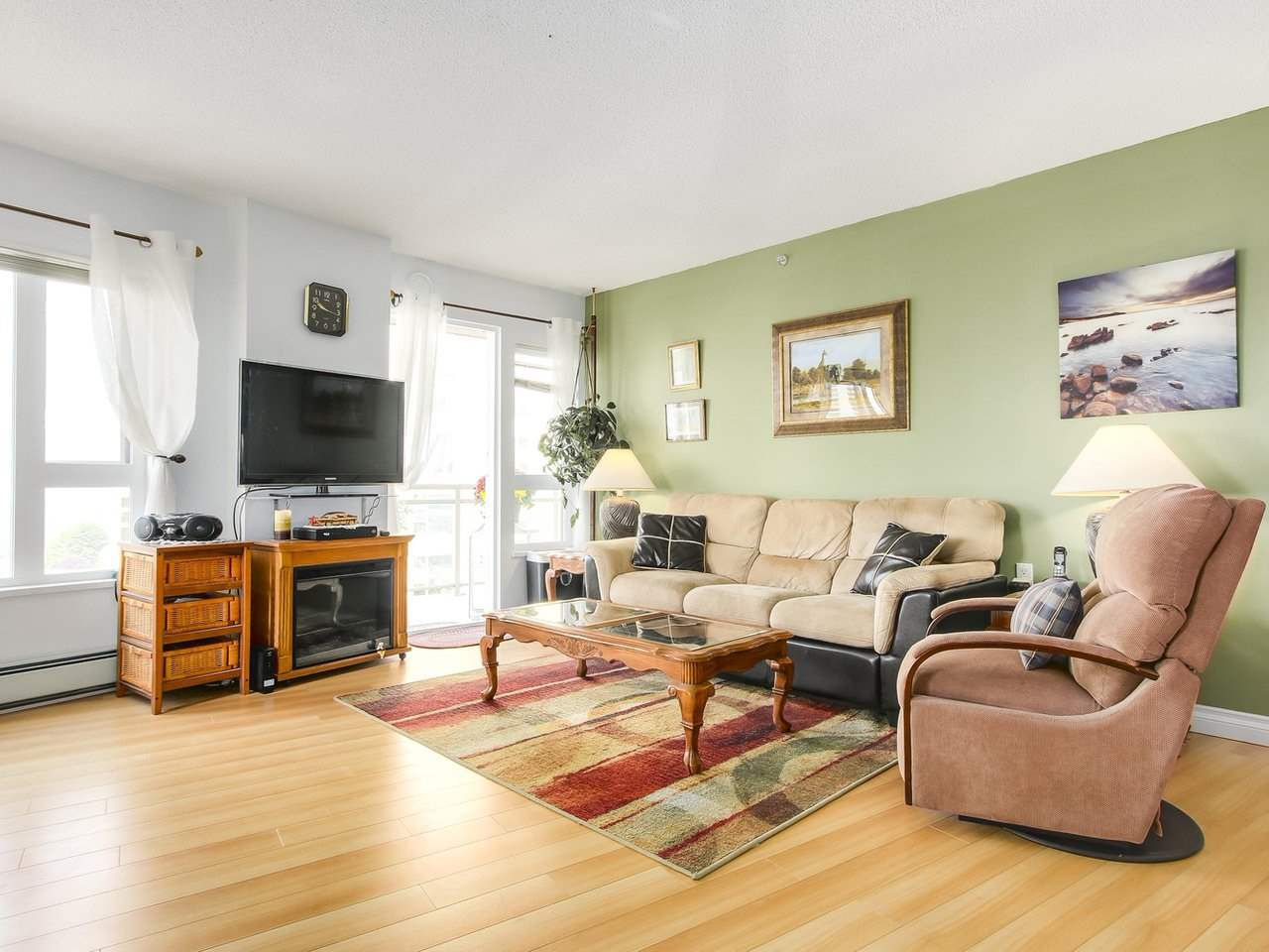 """Photo 7: Photos: 801 121 W 15TH Street in North Vancouver: Central Lonsdale Condo for sale in """"ALEGRIA"""" : MLS®# R2196958"""