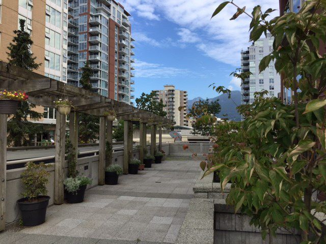 """Photo 17: Photos: 801 121 W 15TH Street in North Vancouver: Central Lonsdale Condo for sale in """"ALEGRIA"""" : MLS®# R2196958"""