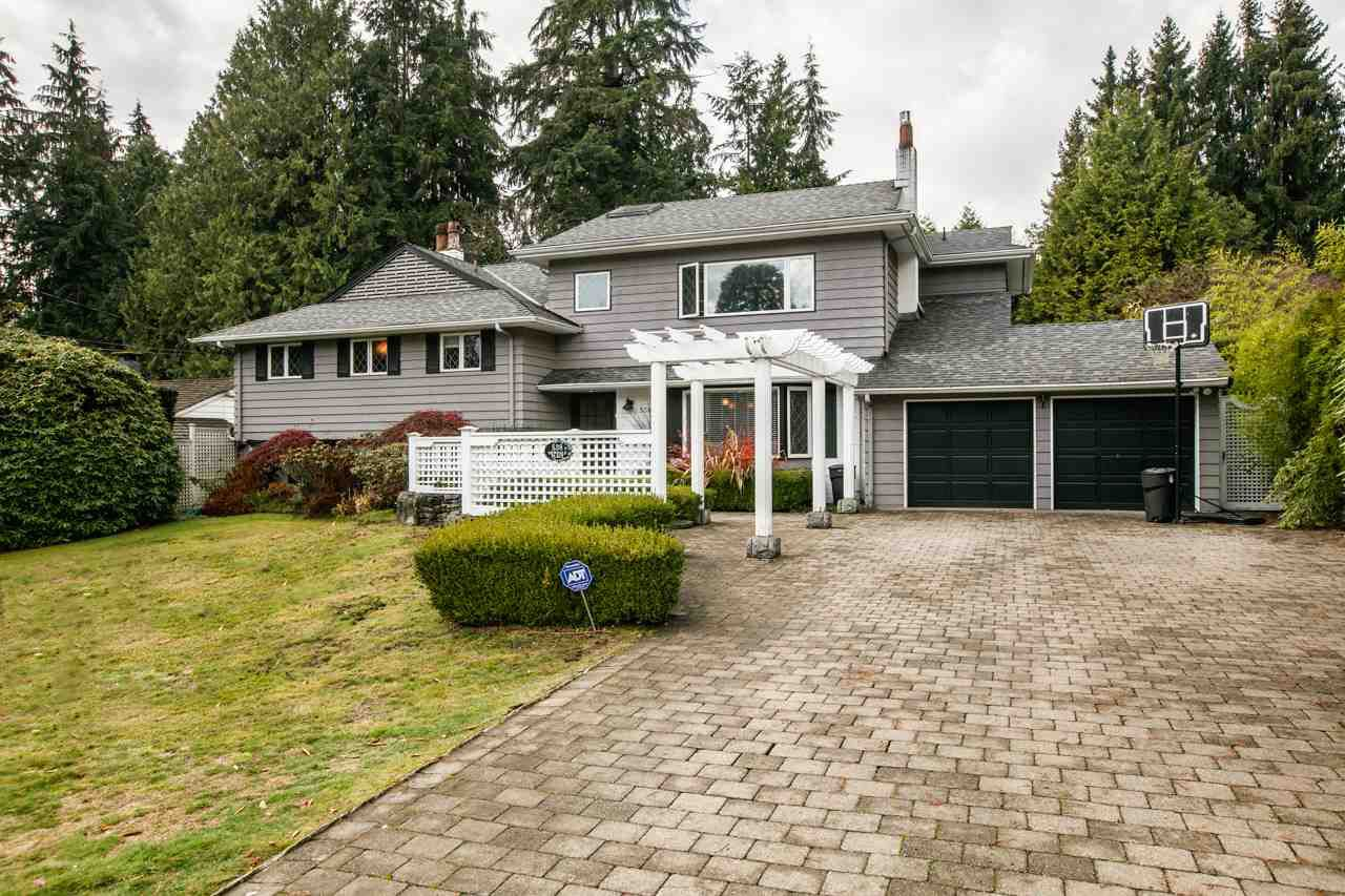 Main Photo: 538 NEWDALE Place in West Vancouver: Cedardale House for sale : MLS®# R2223190