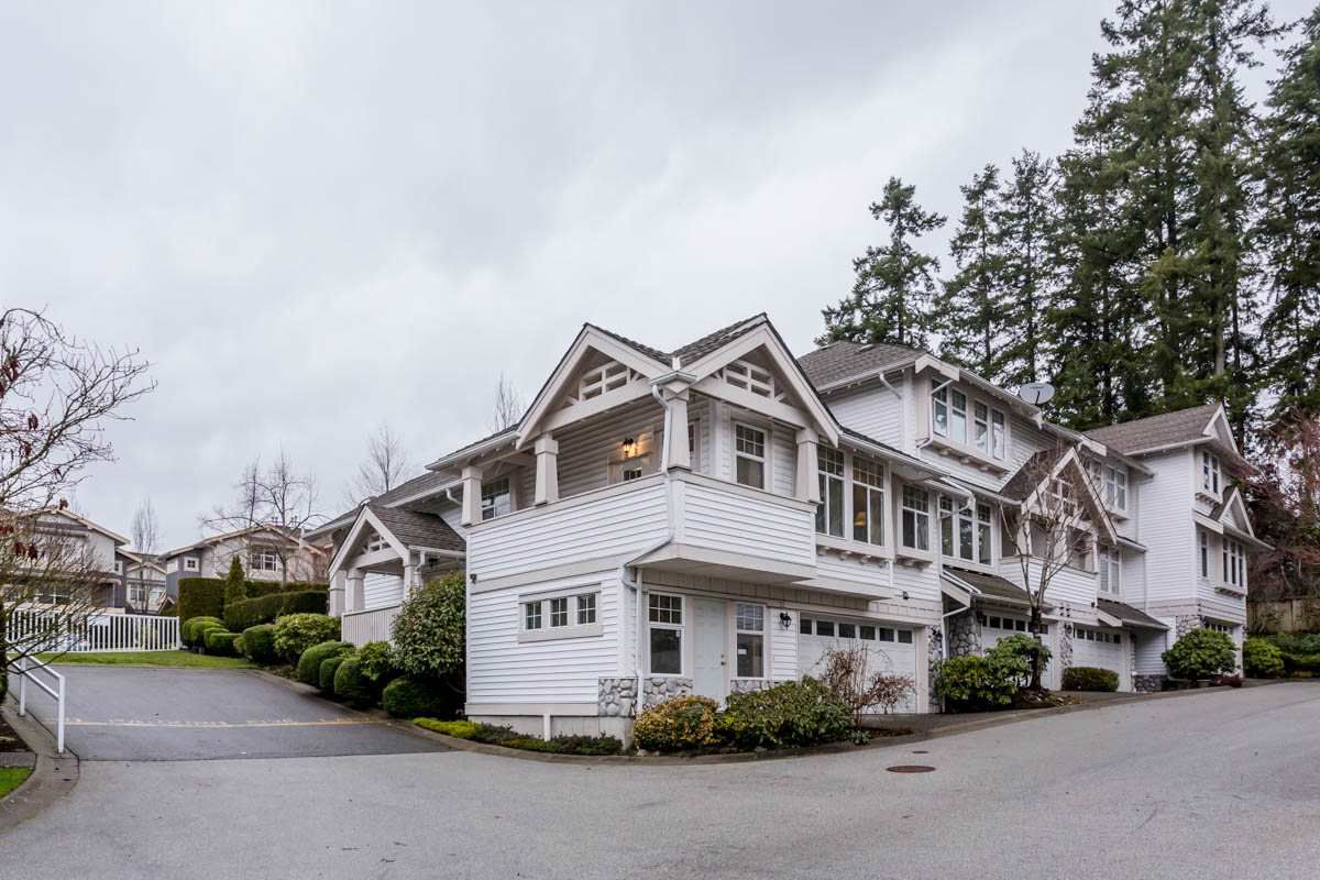 "Main Photo: 22 15037 58 Avenue in Surrey: Sullivan Station Townhouse for sale in ""Woodbridge"" : MLS®# R2231063"