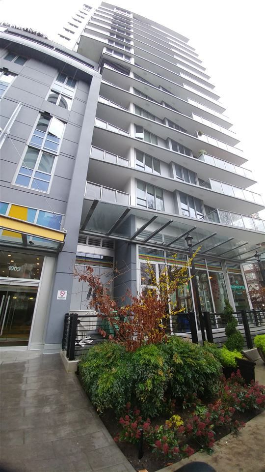 """Main Photo: 809 1009 HARWOOD Street in Vancouver: West End VW Condo for sale in """"Modern"""" (Vancouver West)  : MLS®# R2234179"""
