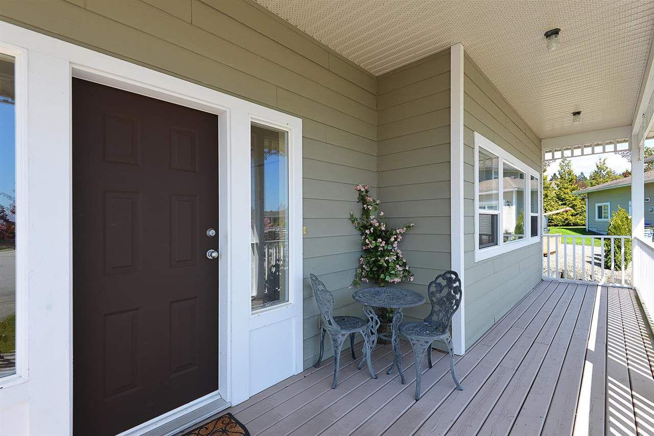 Photo 2: Photos: 4797 TAMARACK Place in Sechelt: Sechelt District House for sale (Sunshine Coast)  : MLS®# R2262210