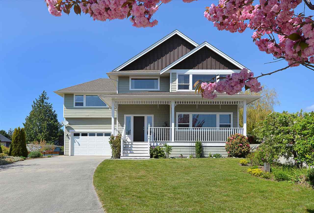 Main Photo: 4797 TAMARACK Place in Sechelt: Sechelt District House for sale (Sunshine Coast)  : MLS®# R2262210