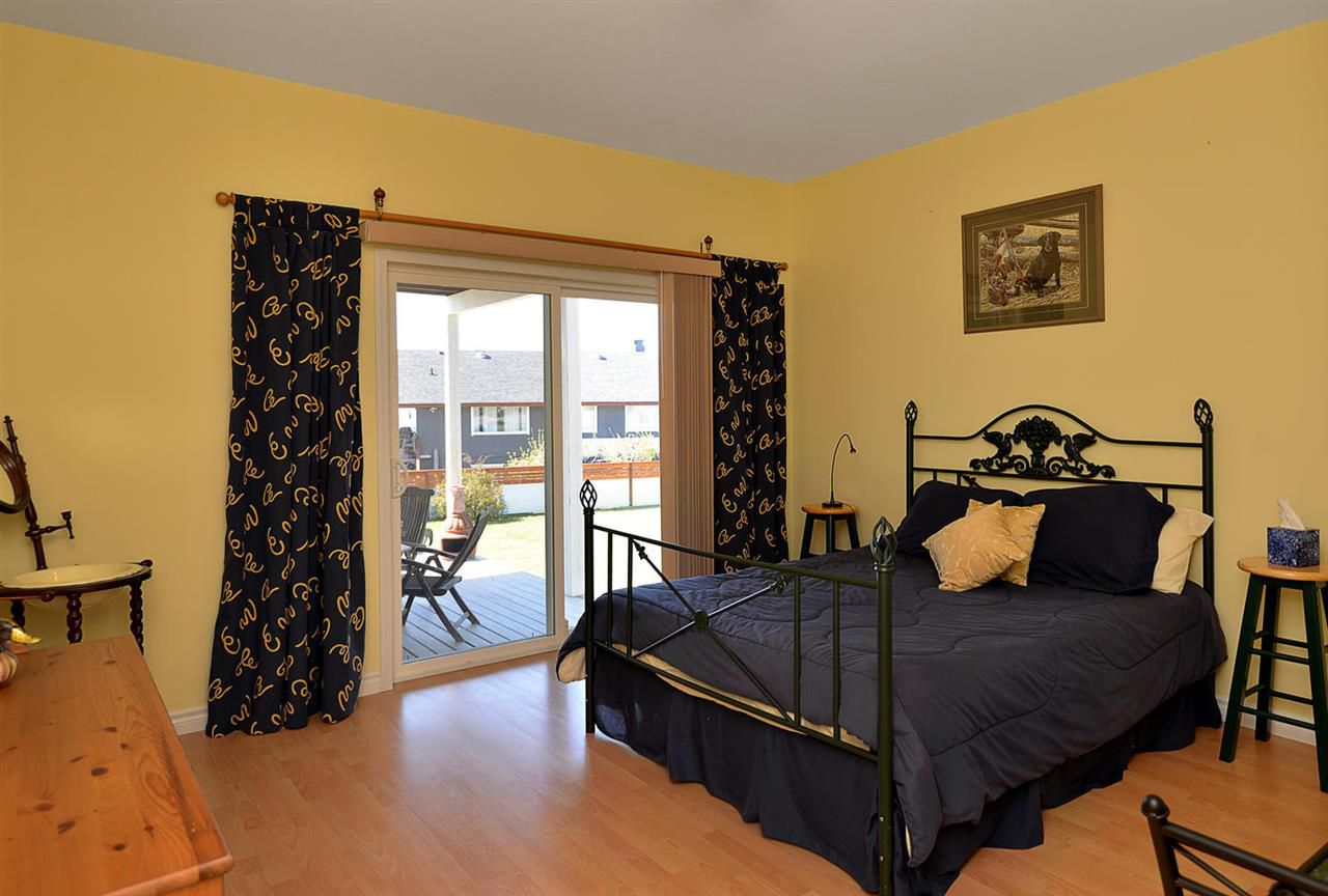 Photo 10: Photos: 4797 TAMARACK Place in Sechelt: Sechelt District House for sale (Sunshine Coast)  : MLS®# R2262210