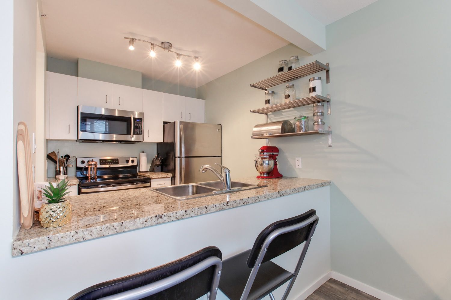 """Main Photo: 1210 438 SEYMOUR Street in Vancouver: Downtown VW Condo for sale in """"CONFERENCE PLAZA"""" (Vancouver West)  : MLS®# R2346175"""