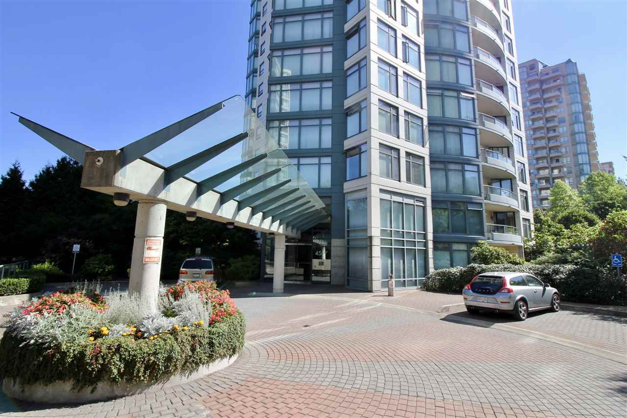 """Main Photo: 1002 4567 HAZEL Street in Burnaby: Forest Glen BS Condo for sale in """"THE MONARCH"""" (Burnaby South)  : MLS®# R2351708"""