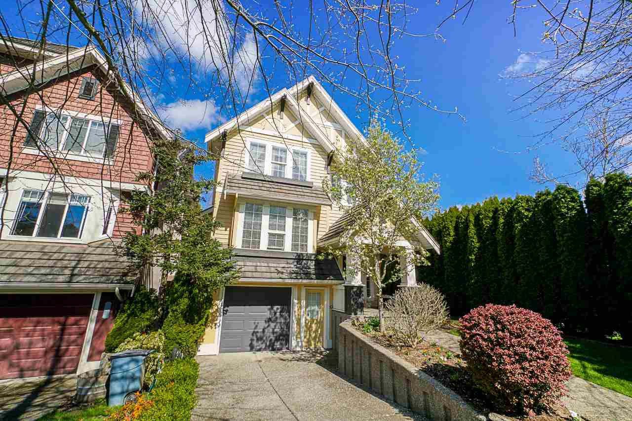 "Main Photo: 3302 ROSEMARY HEIGHTS Crescent in Surrey: Morgan Creek House for sale in ""Rosemary Heights"" (South Surrey White Rock)  : MLS®# R2354059"