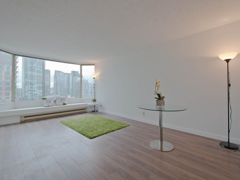 """Main Photo: # 1001 1330 HORNBY ST in Vancouver: Downtown VW Condo for sale in """"HORNBY COURT"""" (Vancouver West)  : MLS®# V1039253"""