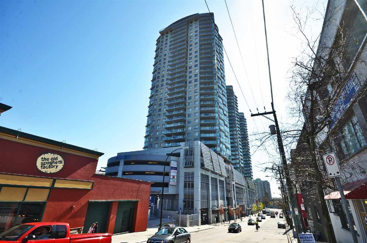 "Main Photo: 1106 888 CARNARVON Street in New Westminster: Downtown NW Condo for sale in ""MARINUS"" : MLS®# R2022472"