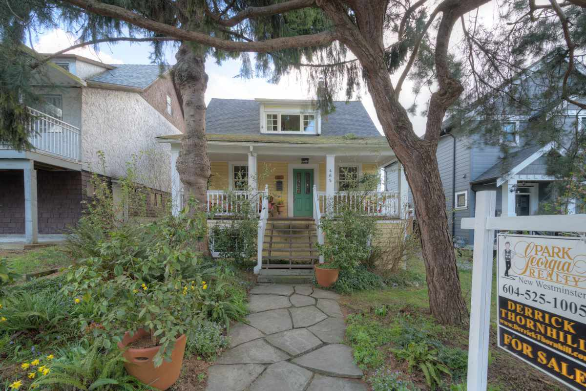 """Main Photo: 465 E EIGHTH Avenue in New Westminster: The Heights NW House for sale in """"THE HEIGHTS"""" : MLS®# R2047273"""