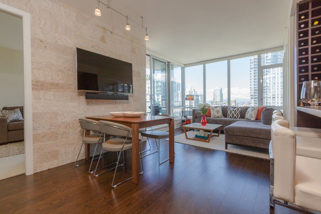 "Main Photo: 2909 833 HOMER Street in Vancouver: Downtown VW Condo for sale in ""ATELIER"" (Vancouver West)  : MLS®# R2068183"