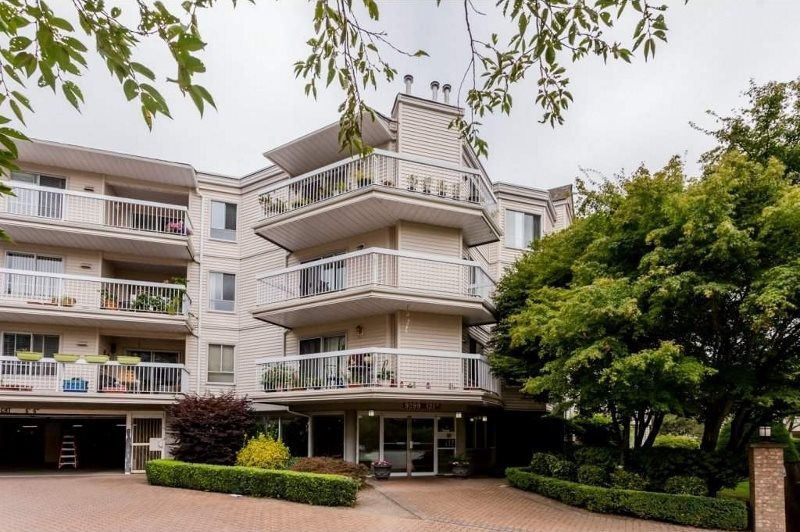 "Main Photo: 303 9299 121 Street in Surrey: Queen Mary Park Surrey Condo for sale in ""HUNTINGTON GATE"" : MLS®# R2118447"