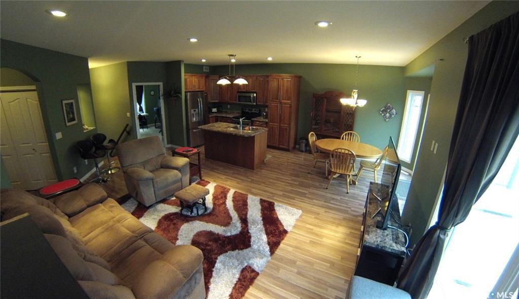 Main Photo: 527 Dickson Lane in Saskatoon: Stonebridge Residential for sale : MLS®# SK706343