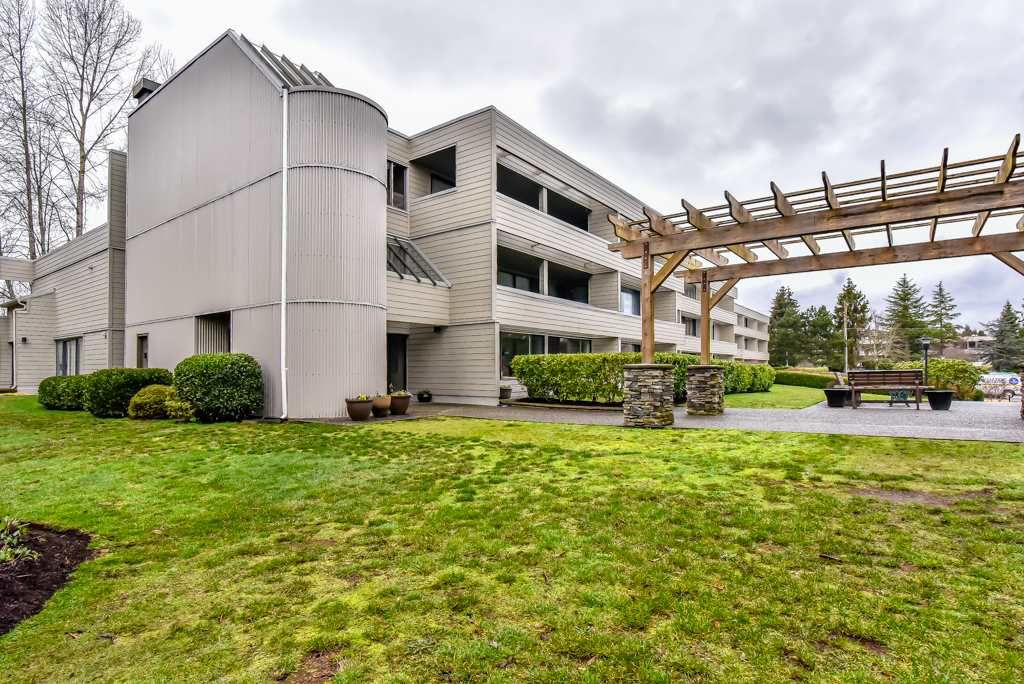 Main Photo: 207 15272 19 AVENUE in Surrey: King George Corridor Condo for sale (South Surrey White Rock)  : MLS®# R2237850