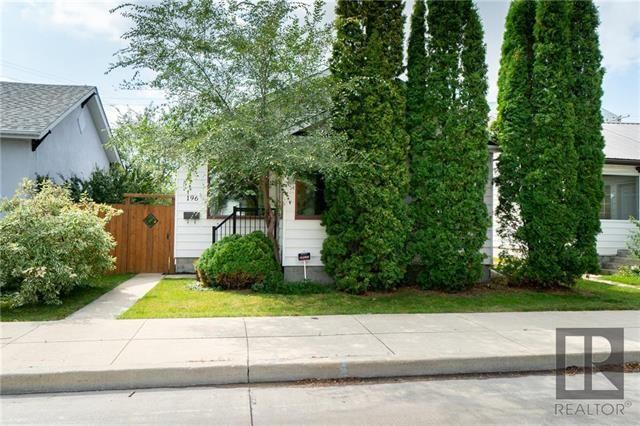 Main Photo: 196 Mighton Avenue in Winnipeg: Elmwood Residential for sale (3A)  : MLS®# 1823934