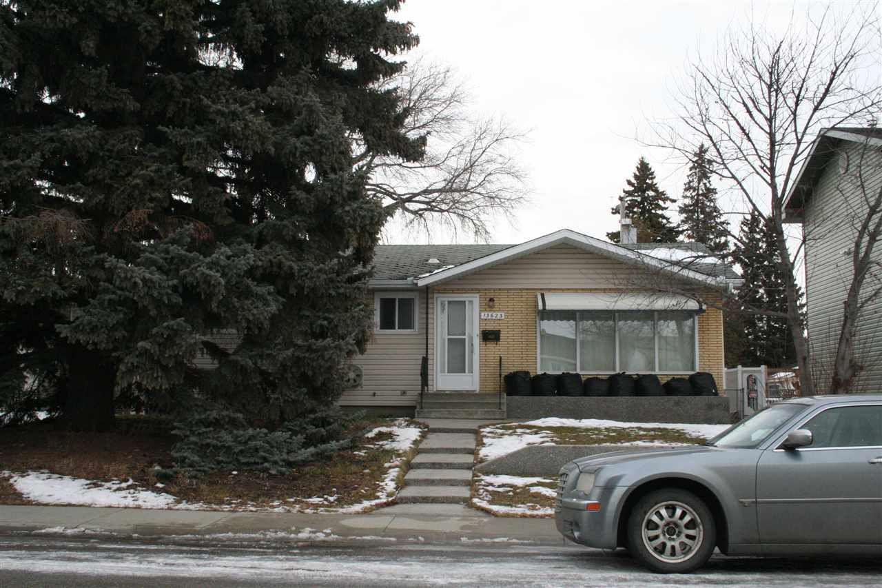 Main Photo: 13623 137 Street in Edmonton: Zone 01 House for sale : MLS®# E4136563