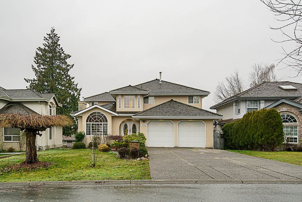 Main Photo: 7913 154 Street in Surrey: Fleetwood Tynehead House for sale : MLS®# R2334627