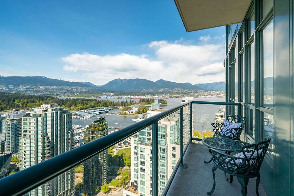 """Main Photo: 3501 1239 W GEORGIA Street in Vancouver: Coal Harbour Condo for sale in """"VENUS"""" (Vancouver West)  : MLS®# R2367323"""