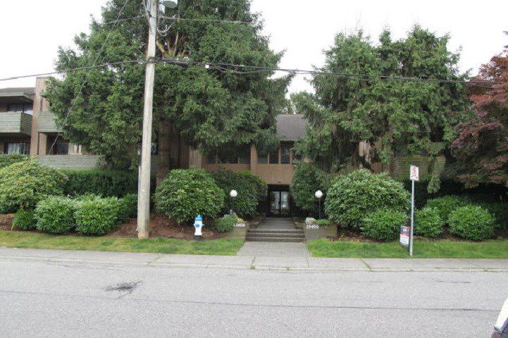 """Main Photo: 303 33400 BOURQUIN Place in Abbotsford: Central Abbotsford Condo for sale in """"Bakerview Place"""" : MLS®# R2385590"""