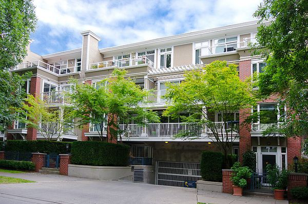 "Main Photo: # 116 2628 YEW ST in Vancouver: Kitsilano Condo for sale in ""CONNAUGHT PLACE"" (Vancouver West)  : MLS®# V1043768"