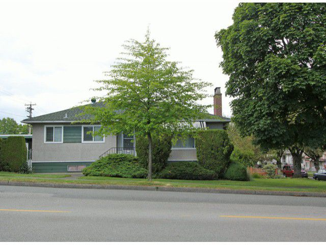 Main Photo: 1701 E 33RD Avenue in Vancouver: Knight House for sale (Vancouver East)  : MLS®# V1071824
