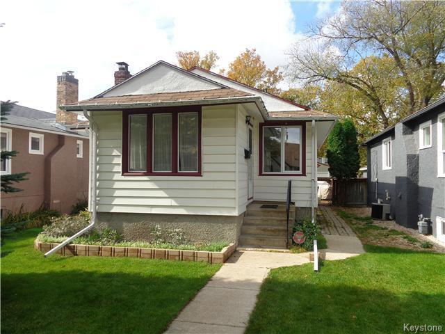 Main Photo: 225 Renfrew Street in WINNIPEG: River Heights / Tuxedo / Linden Woods Residential for sale (South Winnipeg)  : MLS®# 1526469