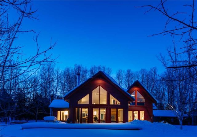 Main Photo: 21 Buckingham Boulevard in Clearview: Rural Clearview House (2-Storey) for sale : MLS®# X3352062