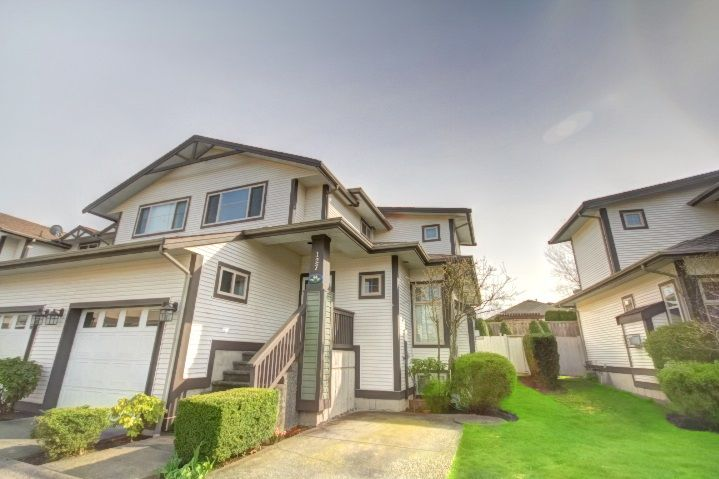 "Main Photo: 127 20820 87 Avenue in Langley: Walnut Grove Townhouse for sale in ""THE SICAMORES"" : MLS®# R2156587"
