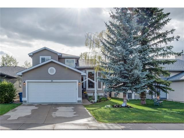 Main Photo: 85 SUNMEADOWS Crescent SE in Calgary: Sundance House for sale : MLS®# C4115750