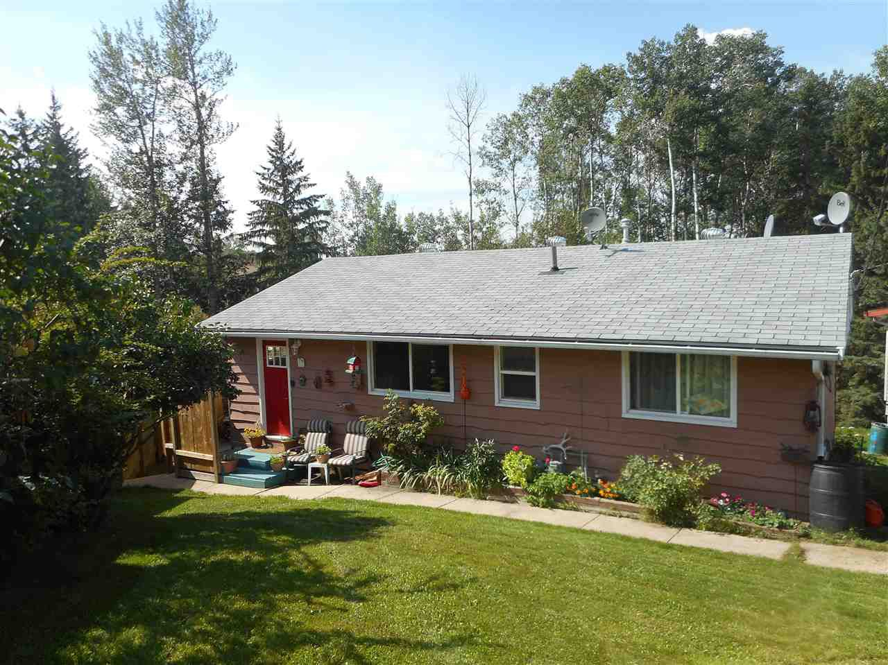 Main Photo: 233 Thunder Lake Drive: Thunder Lake House for sale : MLS®# E4131589