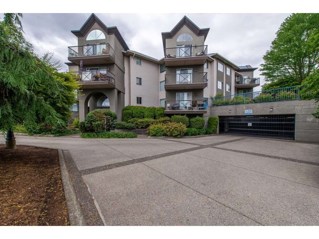 "Main Photo: 321 32725 GEORGE FERGUSON Way in Abbotsford: Abbotsford West Condo for sale in ""Uptown"" : MLS®# R2381460"