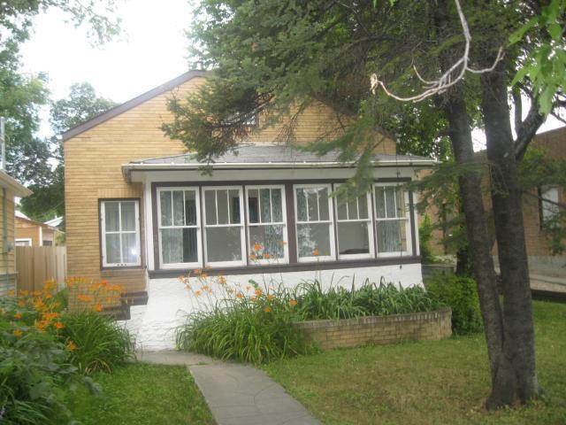 Main Photo: 304 Queen Street in WINNIPEG: St James Residential for sale (West Winnipeg)  : MLS®# 1114667