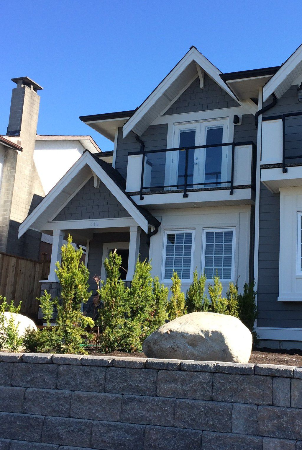 Main Photo: 1 312 E 5 Street in North Vancouver: Lower Lonsdale House 1/2 Duplex for sale : MLS®# R2006821