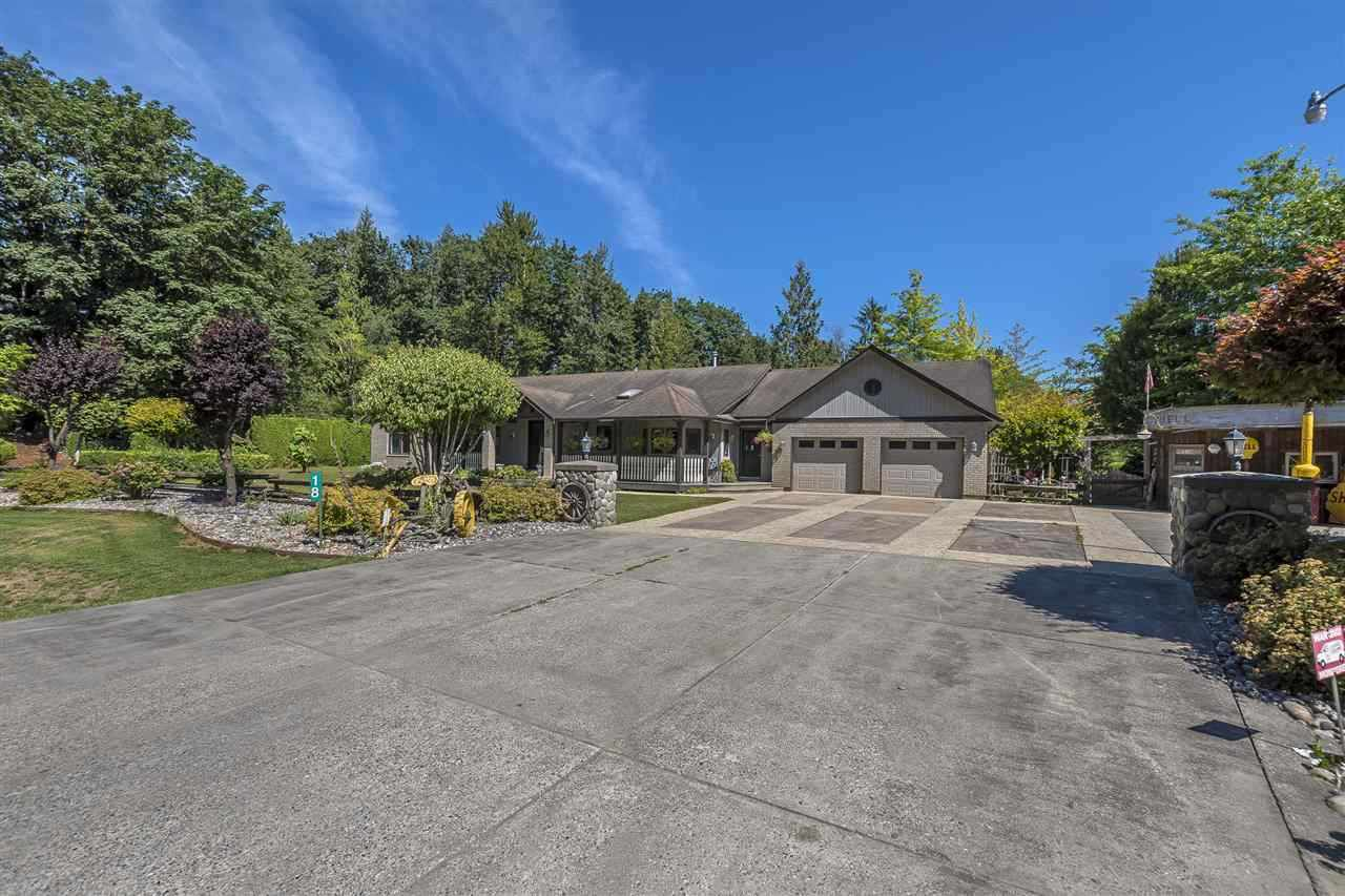 "Main Photo: 18 10200 GRAY Road in Rosedale: Rosedale Popkum House for sale in ""Cheam Lake Estates"" : MLS®# R2218254"