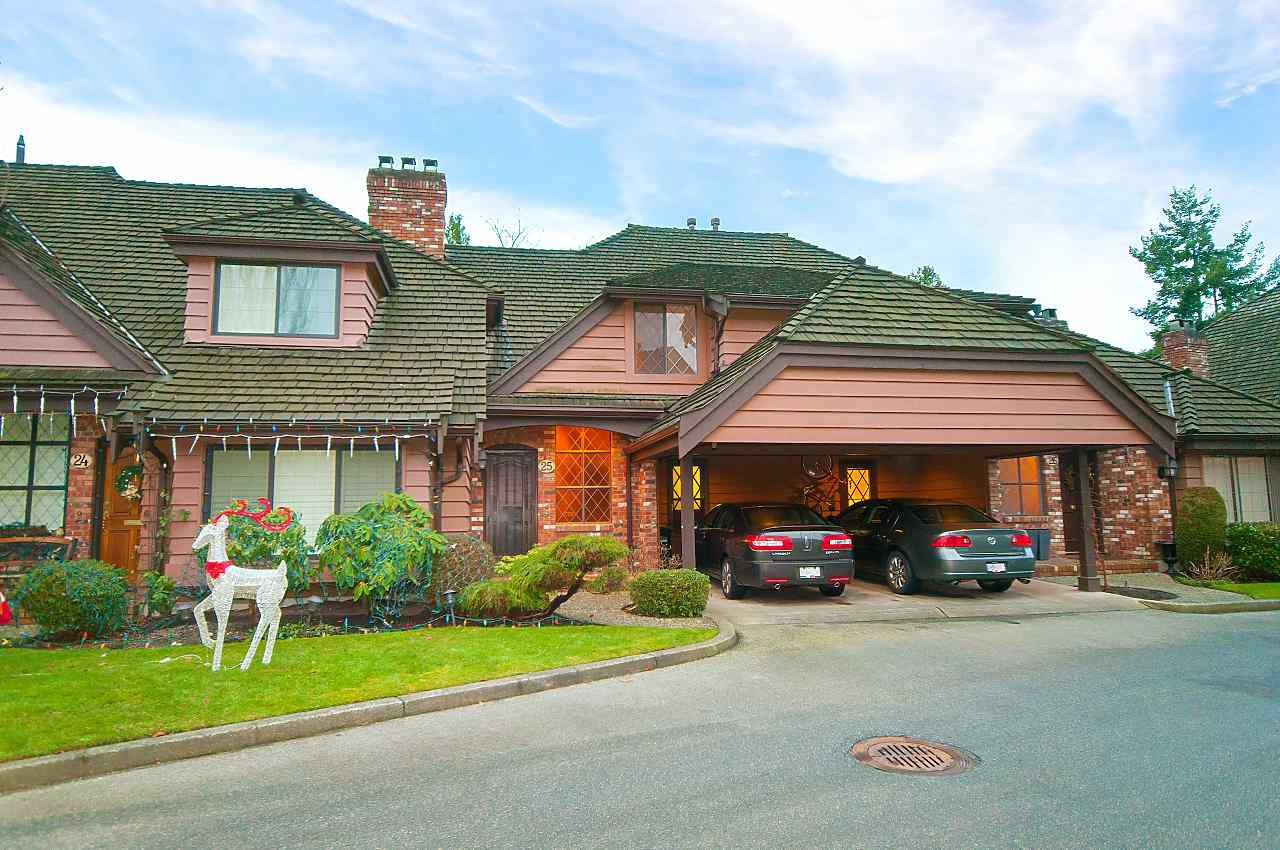 """Main Photo: 25 6600 LUCAS Road in Richmond: Woodwards Townhouse for sale in """"HUNTLY WYND"""" : MLS®# R2230201"""