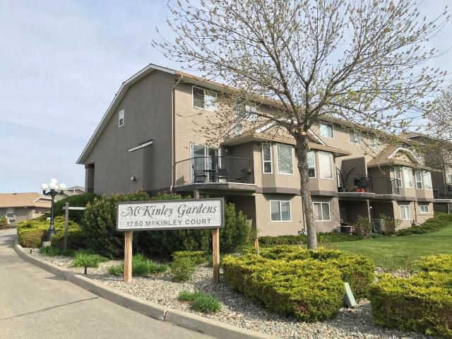 Main Photo: 5 1750 MCKINLEY Court in : Sahali Townhouse for sale (Kamloops)  : MLS®# 145773