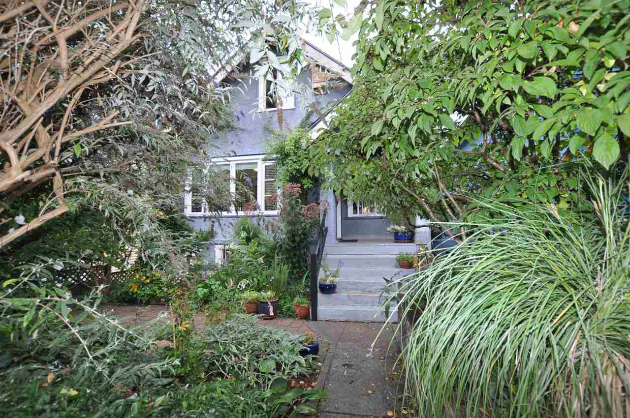 "Main Photo: 1607 E 14TH Avenue in Vancouver: Grandview VE House for sale in ""GRANDVIEW WOODLAND"" (Vancouver East)  : MLS®# R2311671"