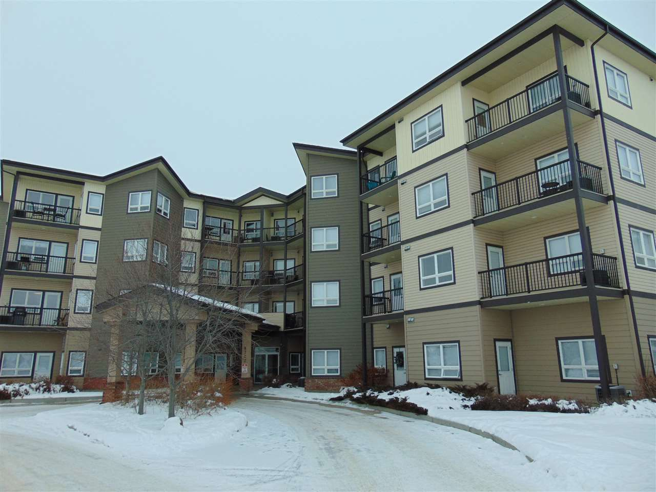 Great location walking distance to all amenities