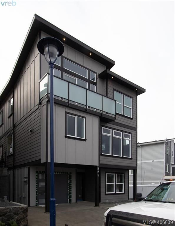 Main Photo: 925 Peace Keeping Crescent in VICTORIA: La Walfred Single Family Detached for sale (Langford)  : MLS®# 406039
