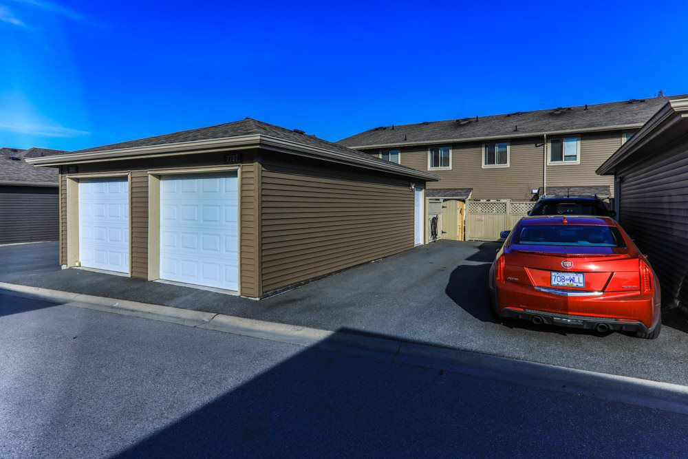 Photo 14: Photos: 7797 211B Street in Langley: Willoughby Heights Condo for sale : MLS®# R2350818
