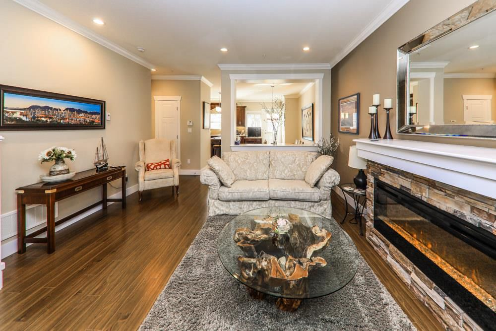 Photo 4: Photos: 7797 211B Street in Langley: Willoughby Heights Condo for sale : MLS®# R2350818