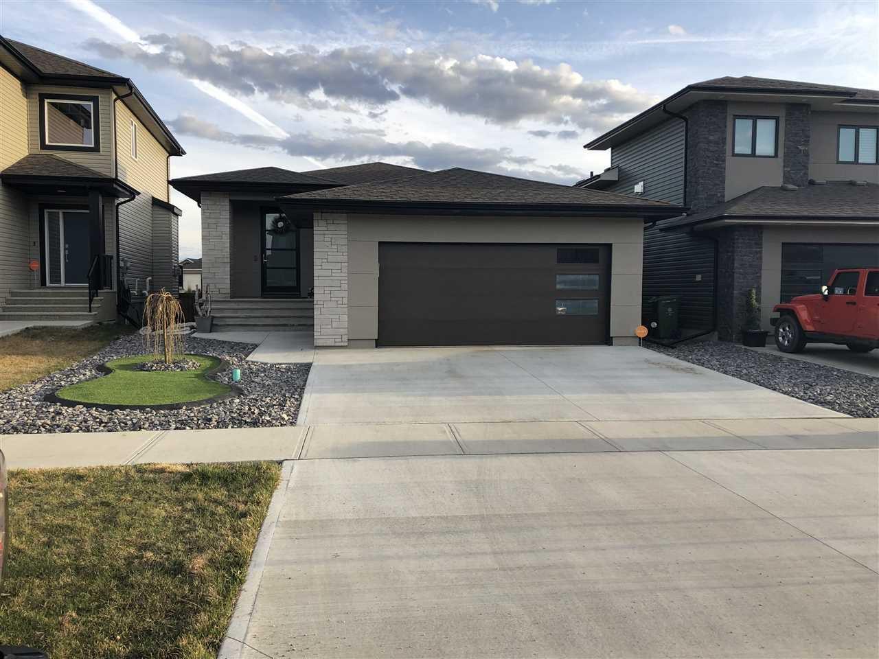 Main Photo: 445 MEADOWVIEW Drive: Fort Saskatchewan House for sale : MLS®# E4154548