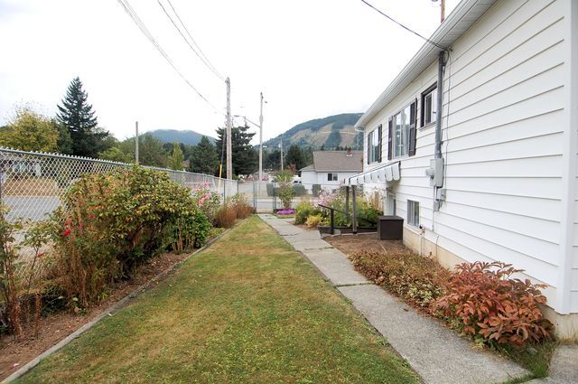 Photo 34: Photos: 44 LAKEVIEW AVENUE in LAKE COWICHAN: House for sale : MLS®# 344685