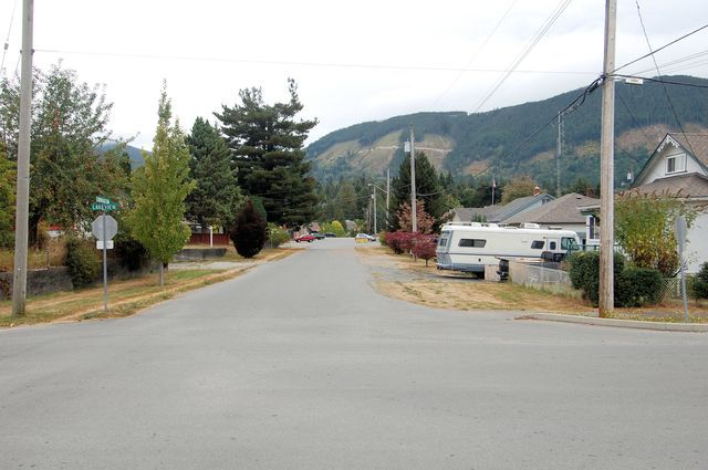 Photo 42: Photos: 44 LAKEVIEW AVENUE in LAKE COWICHAN: House for sale : MLS®# 344685