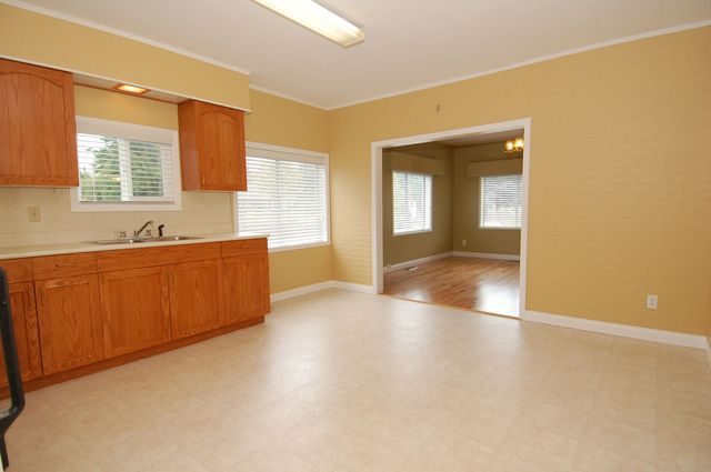 Photo 10: Photos: 44 LAKEVIEW AVENUE in LAKE COWICHAN: House for sale : MLS®# 344685