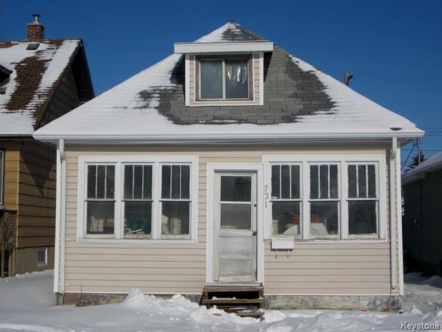 Main Photo: 731 McCalman Avenue in WINNIPEG: East Kildonan Residential for sale (North East Winnipeg)  : MLS®# 1503151