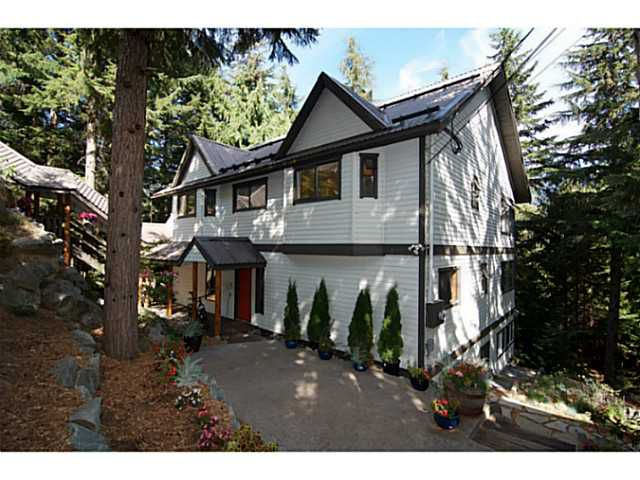 Main Photo: 9243 EMERALD Drive in Whistler: Emerald Estates House for sale : MLS®# V1141364